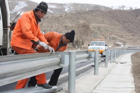 贵州安装波形护栏
