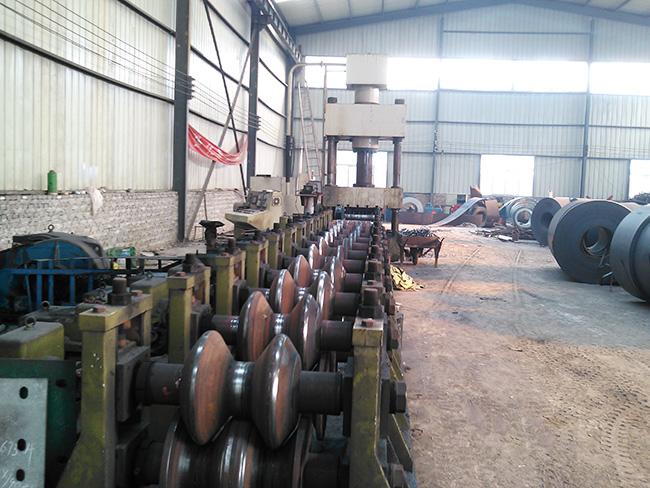 镀锌护栏板压型机器