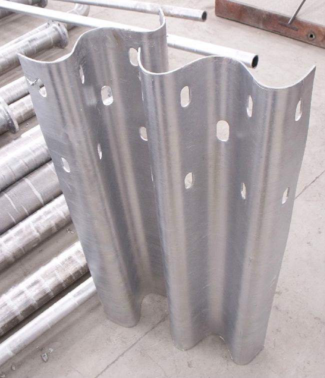 贵州喷塑波形护栏板样品