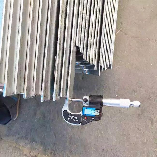 喷塑波形防撞护栏达标